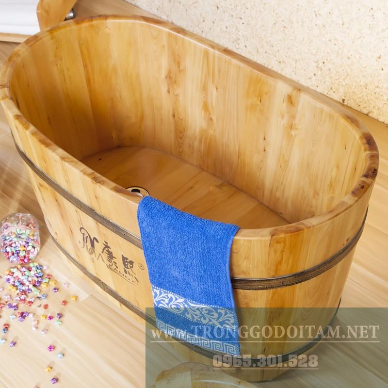 bồn tắm gỗ bách xanh cho trẻ em