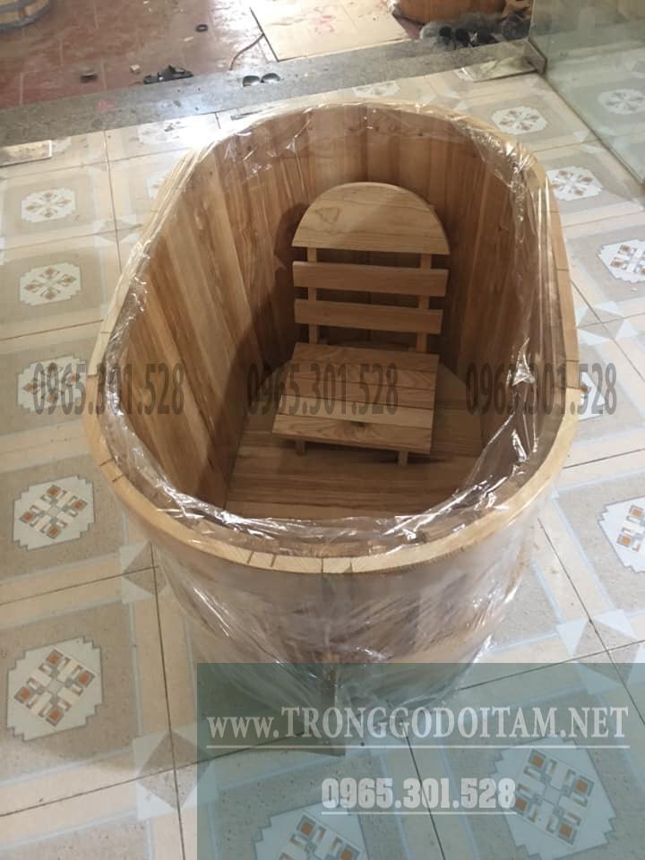 bồn tắm gỗ được đóng gói cận thận gửi cho khách