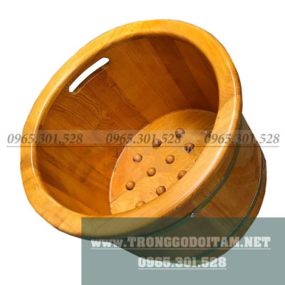 Chậu được bo viền gỗ mềm mại tạo nên giá trị sản phẩm