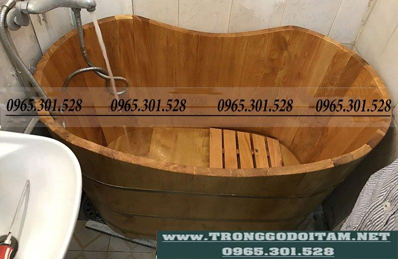 vị trí đặt bồn tắm bằng gỗ
