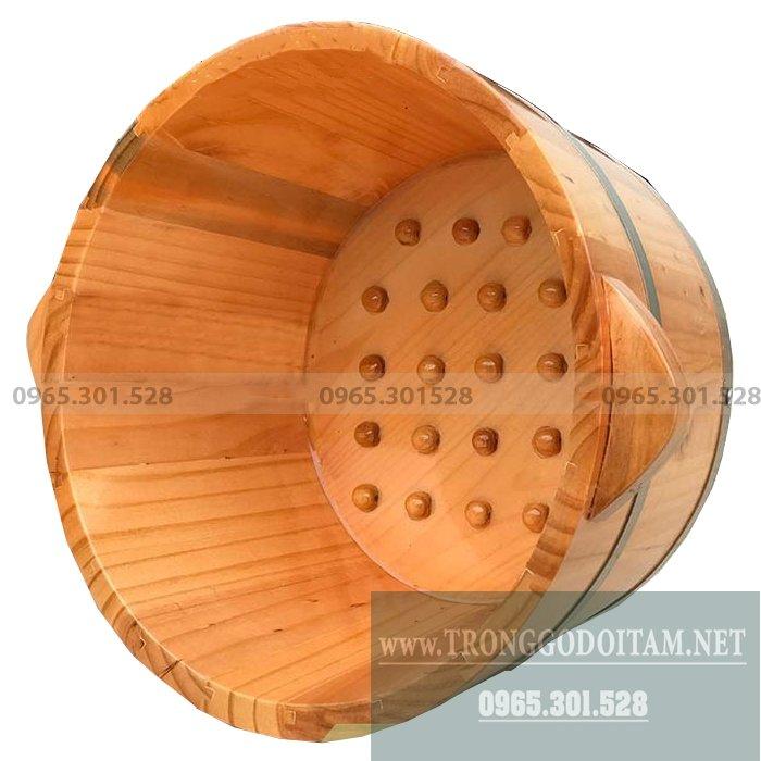Chậu ngâm chân bằng gỗ Thông Nhật, Có hạt massage