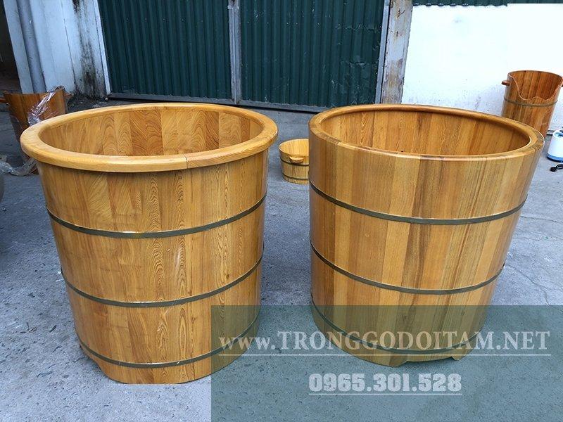 bồn tắm gỗ pơ mu dáng tròn bo viền hoặc không bo viền