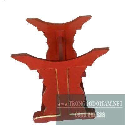 giá đỡ của trống trường, màu sắc tùy khách hàng lựa chọn, thường là màu đỏ hoặc màu nâu
