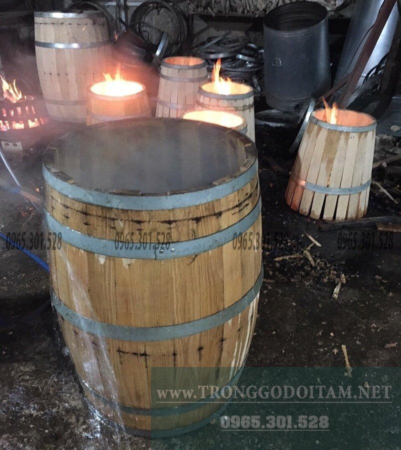 mua thùng rượu gỗ sồi giá xuất xưởng