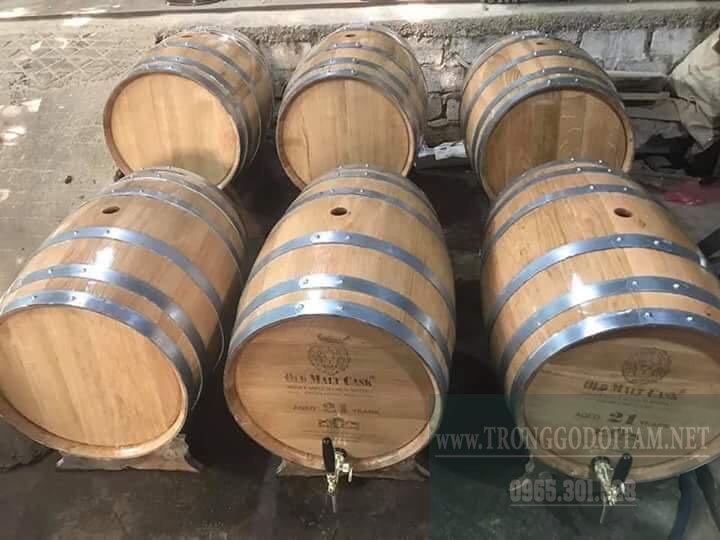 thùng gỗ sồi đựng rượu vàng chất lượng, cam kết chuẩn