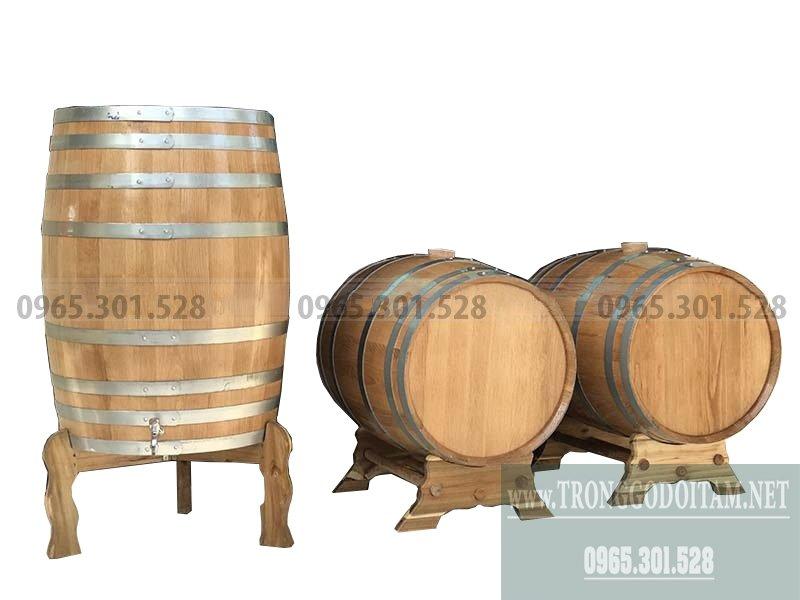 Thùng được làm bằng gỗ Sồi Đỏ nhập khẩu từ Mỹ