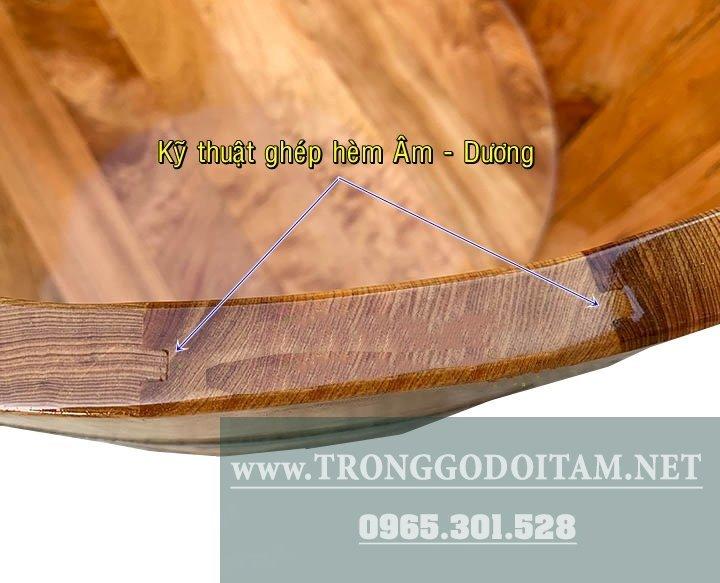 bồn tắm bằng gỗ Pơ Mu được ghép bằng kỹ thuật hèm Âm Dương siêu bền và không rò rỉ