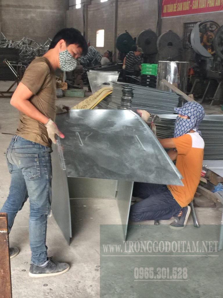 xưởng sản xuất xe gom rác