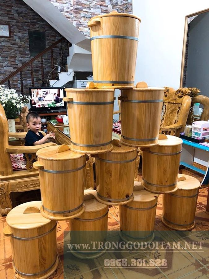cửa hàng bán thùng gỗ đựng gạo