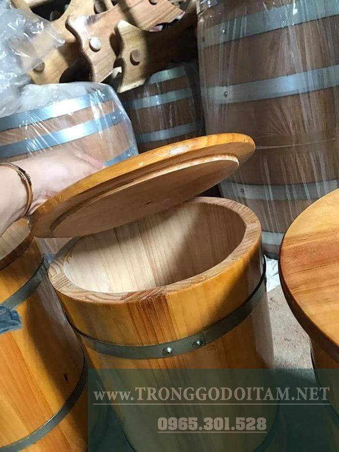 thùng gỗ đựng gạo có nắp