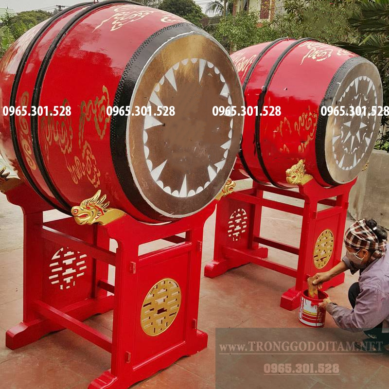 cửa hàng Đọi Tam đang hoàn thiện trống đình để bàn giao cho khách