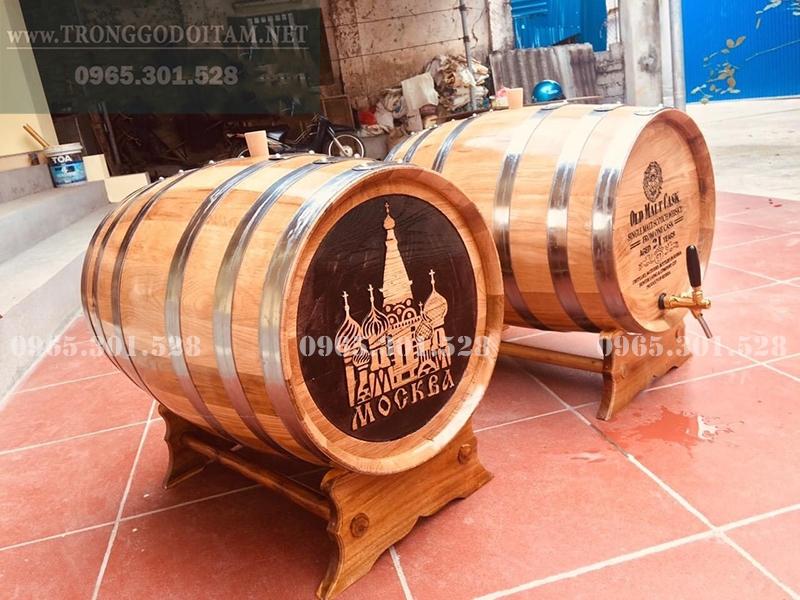 thùng gỗ sồi ngâm rượu 50l khắc mặt thùng